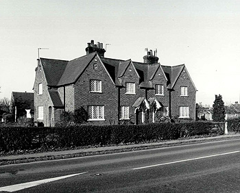23 to 26 Turnpike Road in 1981 [Z50/65/12]